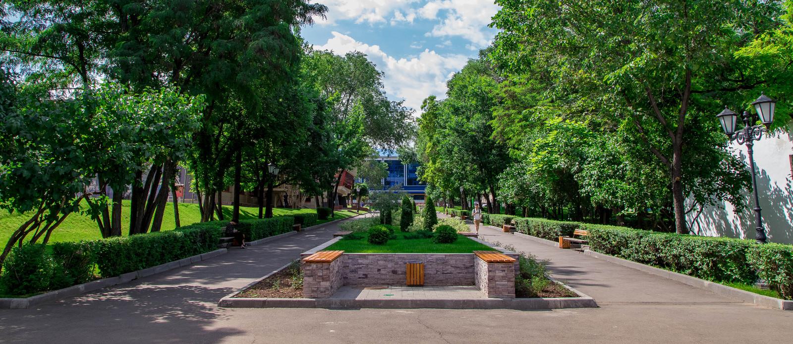 Summer campus photo
