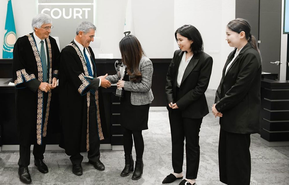 Moot-Court-Competition-1